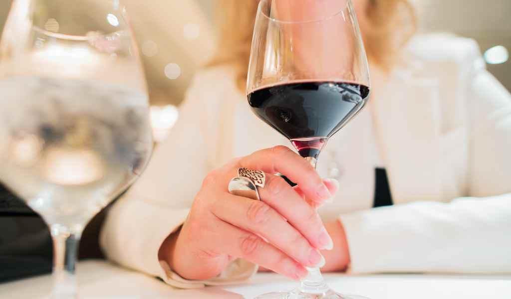 Лечение женского алкоголизма в Давыдково анонимно